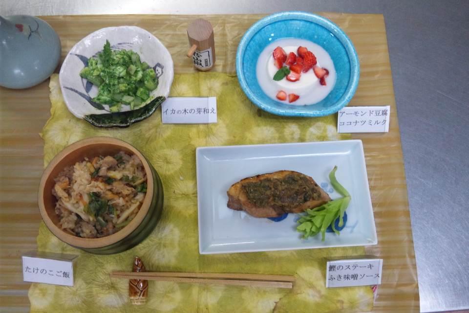 和風料理  たけのこご飯